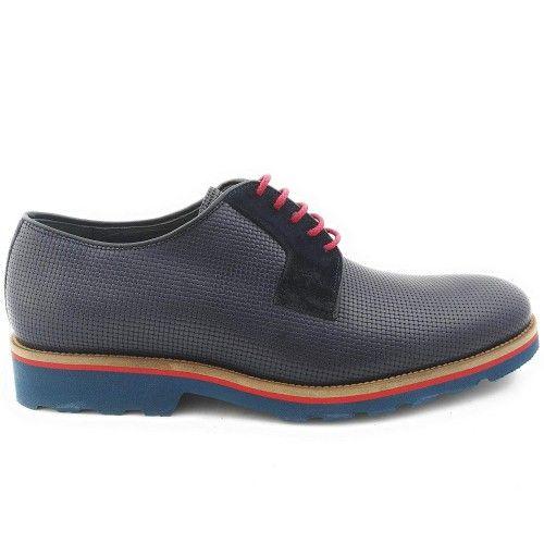 Dunkelblaue Oxford-Schuhe...